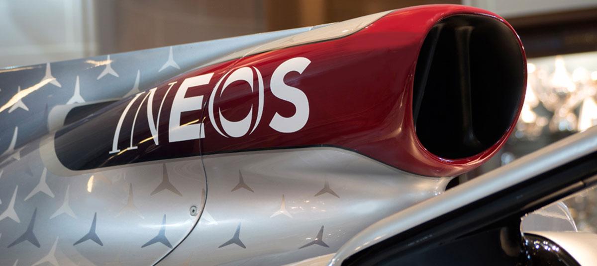 MercedesF1-lrg.jpg